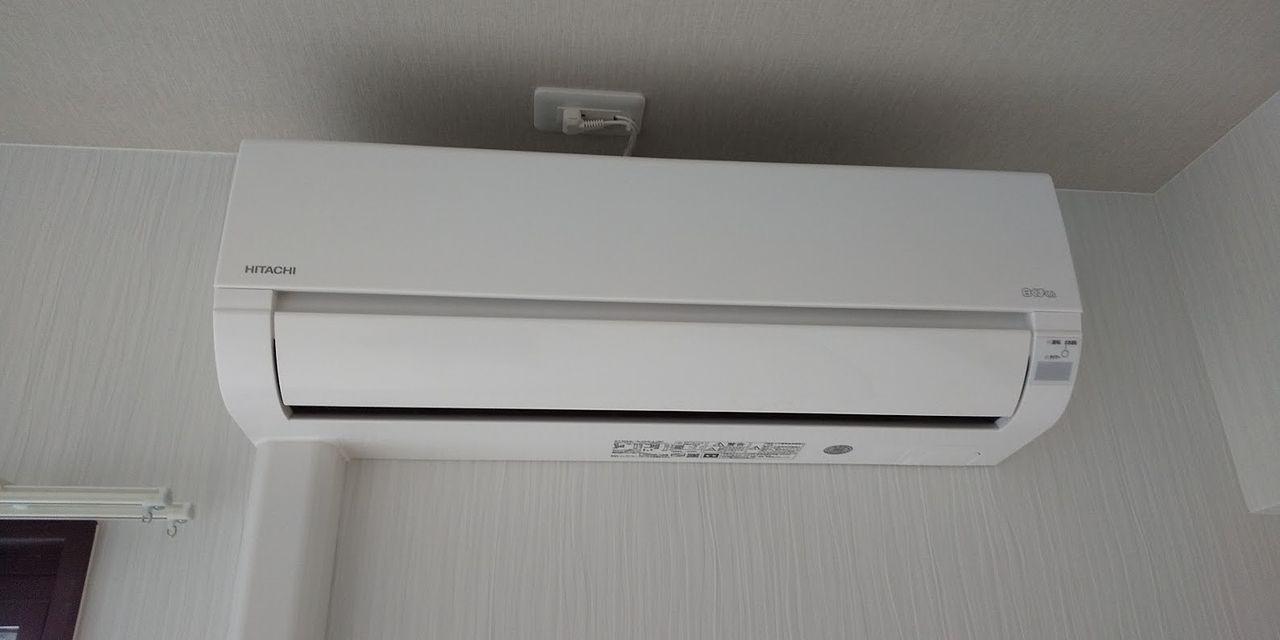 新製品の日立ルームエアコン。全部屋に設置。