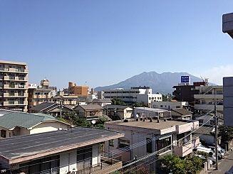 ベランダから桜島望めます。