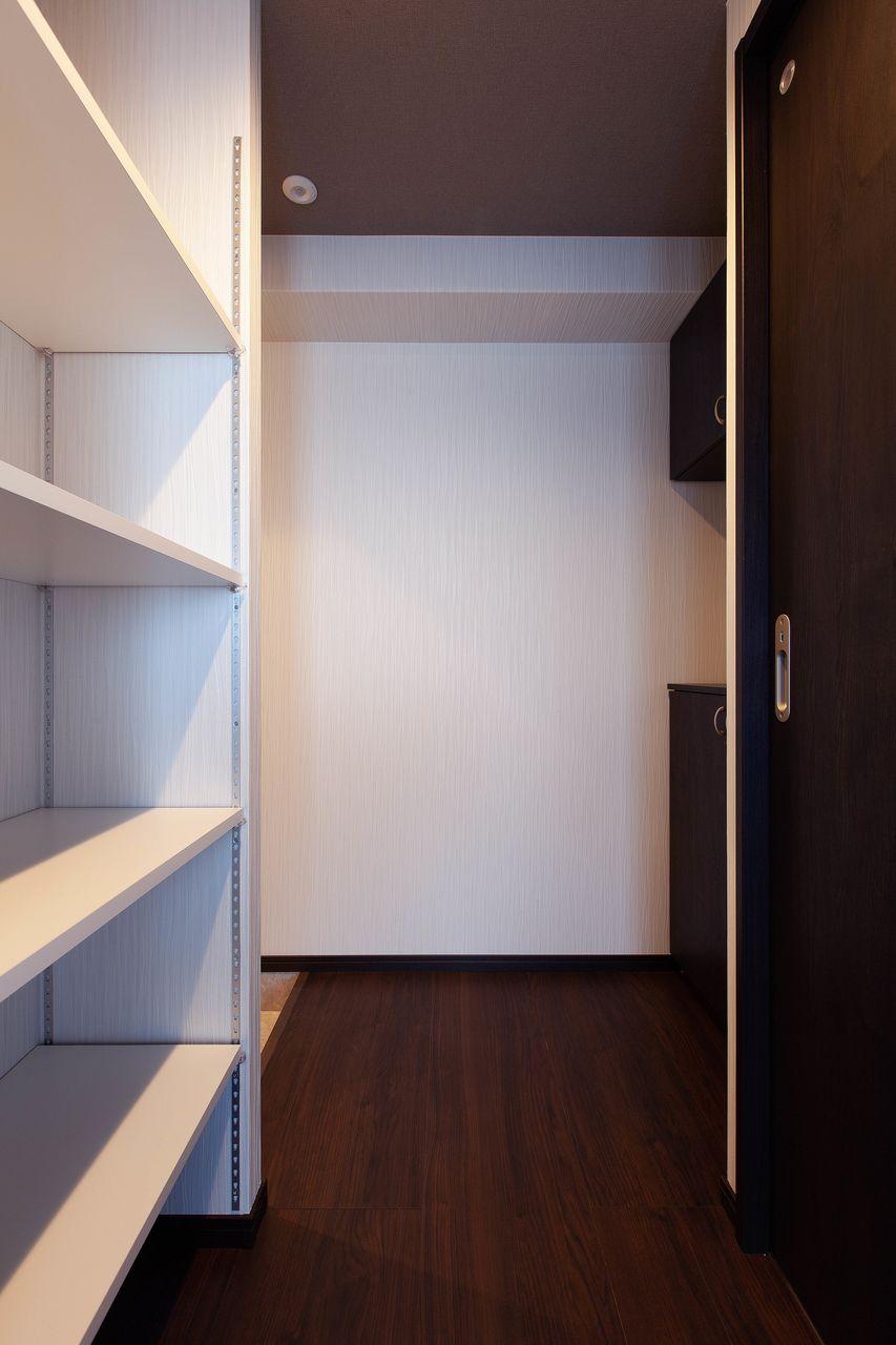 室内が見えない玄関位置。プライベート確保は重要です。