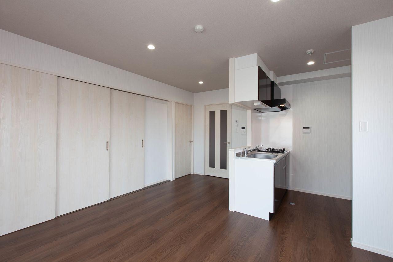 大きな冷蔵庫も置ける台所スペース