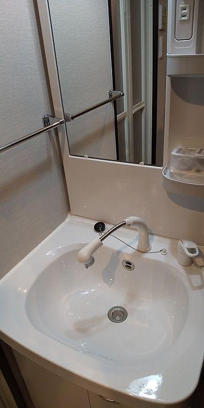伸縮するシャワーホースはありがたいですね
