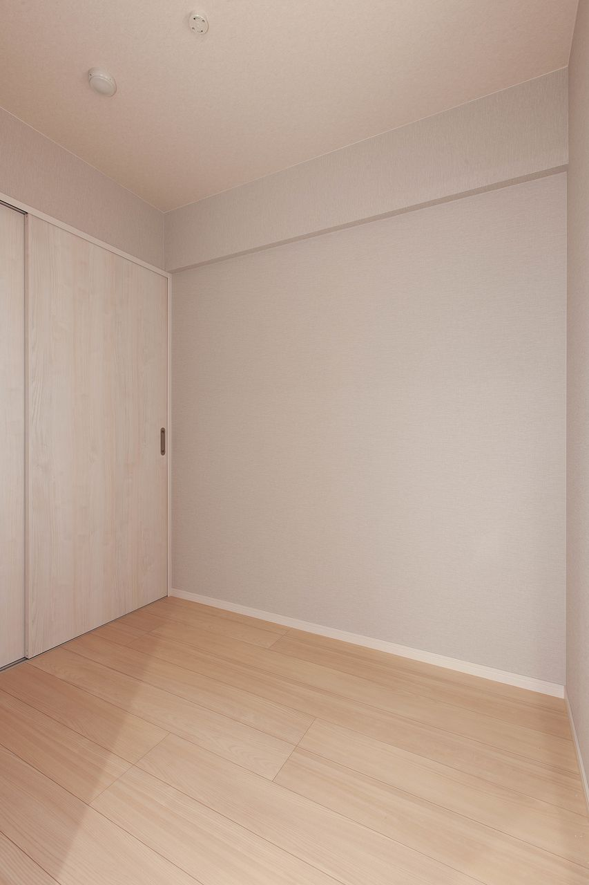 寝室や趣味の部屋にいかがでしょうか。