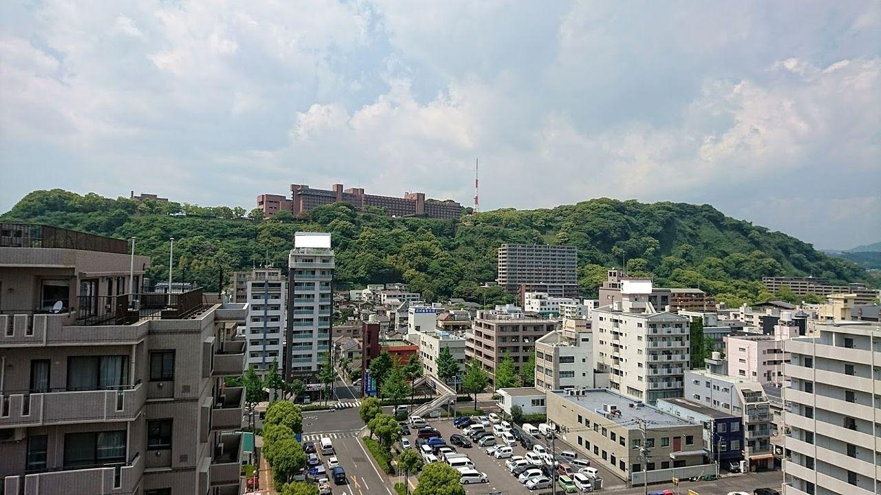 鹿児島市 城山観光ホテルを望む