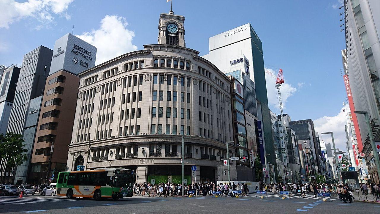 街往く人に大勢いる外国人 東京都銀座