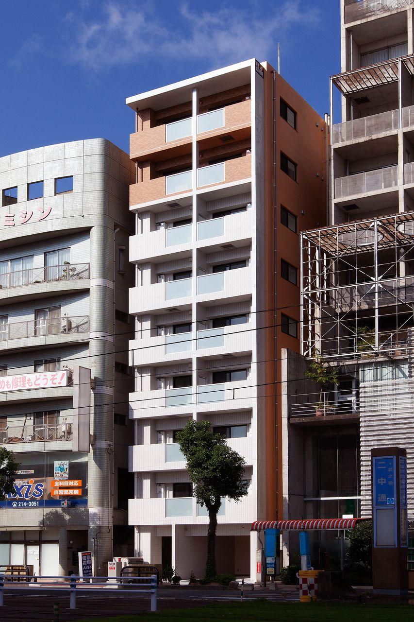 鹿児島市荒田1丁目に2019年9月に竣工した9階建賃貸マンション