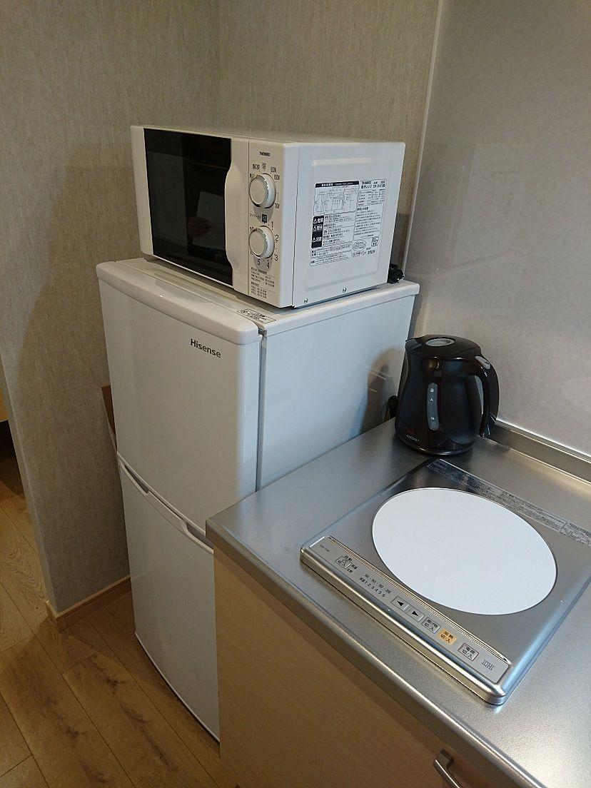 電子レンジ、2ドア冷蔵庫、IHクッキングヒーター。