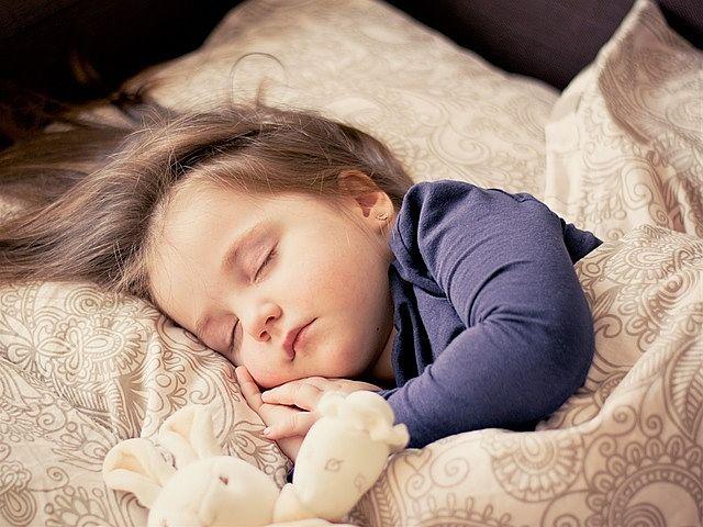 """""""睡眠負債""""貯まってませんか?寝不足なあなたは要注意です。"""